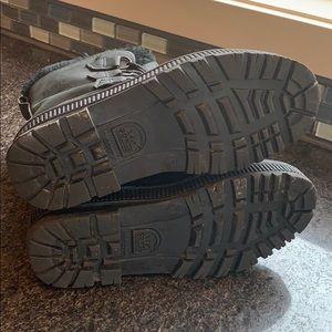 Sorel Shoes - Women's Sorel Badger (size 7)
